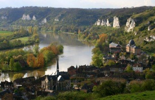 Driving holiday along the beautiful valley of the Seine (photo: Natasha von Geldern)