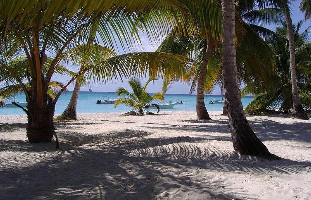 Relax in Punta Cana in the Dominican Republic (photo::wikicommons)