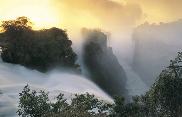 Travellers can see Victoria Falls in southern Africa