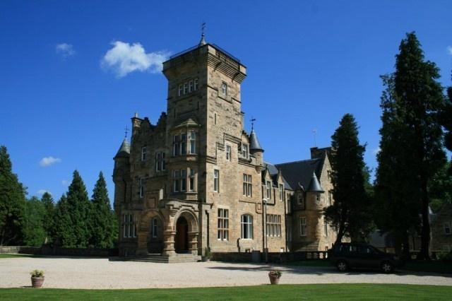 Argyll, the Isles, Loch Lomond and the Trossachs castle holidays