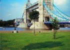 Stay on the river Thames for a cheaper Jubilee break