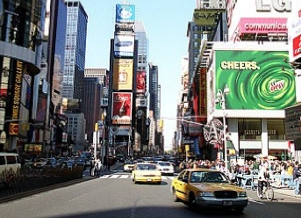 Enjoy shopping and sightseeing in New York