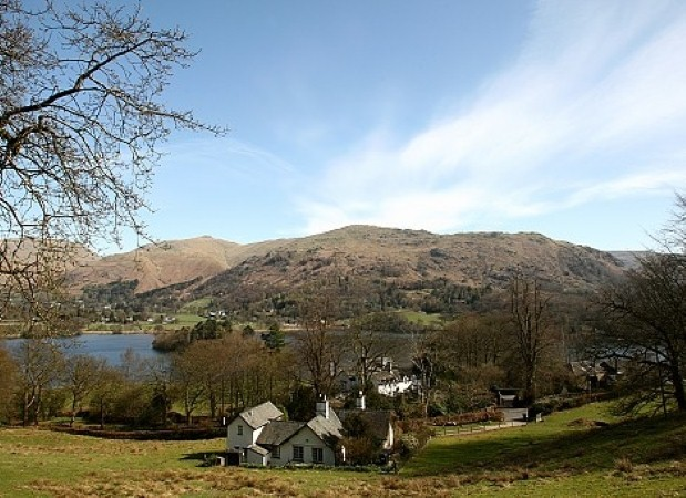 Book holiday cottages to enjoy the Lake District