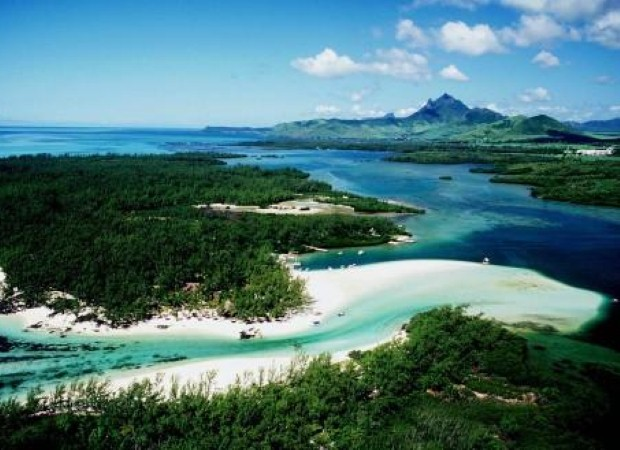 Relax in paradise on a Mauritius getaway