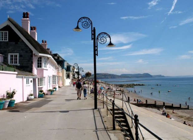 Stay in Lyme Regis cottages