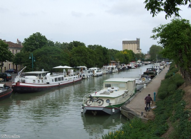 The Midi Canal is lovely to walk along