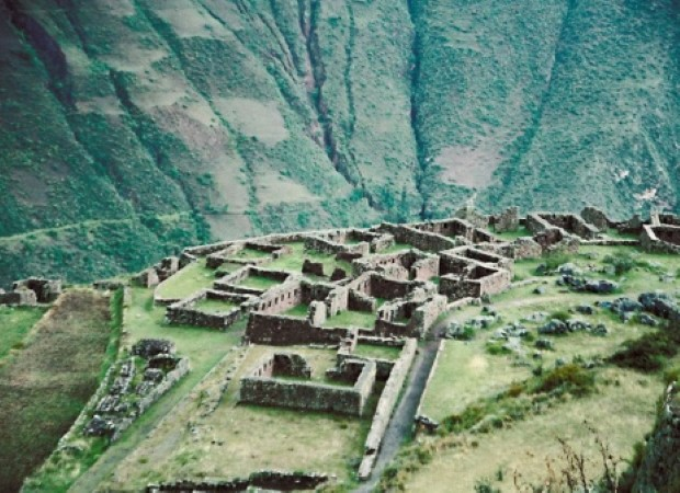 There are lots of ruins on the Inca Trail