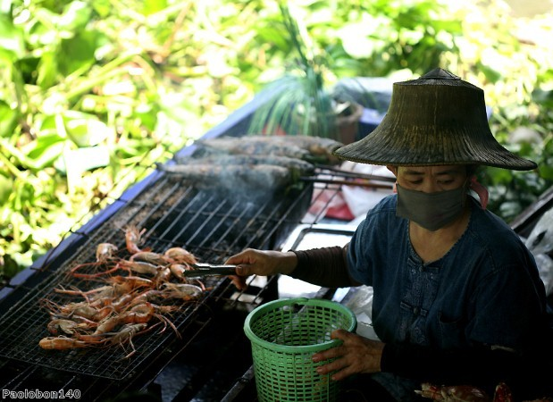 Try authentic street food in Bangkok