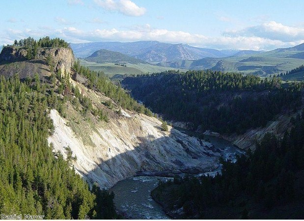 Yellowstone National Park is ideal for walking holidays
