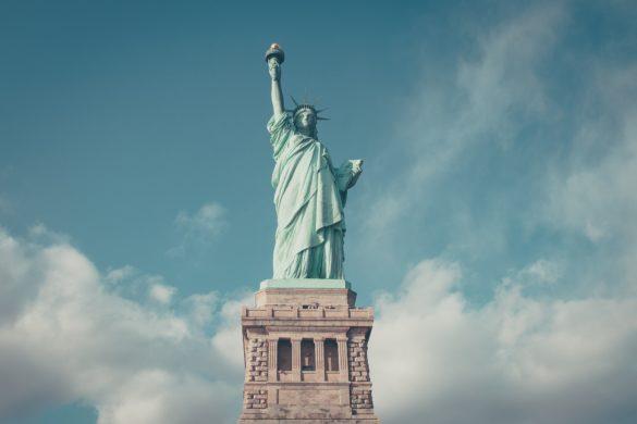 statue-820417_1920