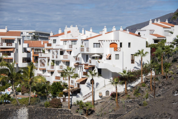 houses in los gigantes on tenerife